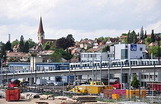 Wallisellen - Image: Wallisellen Glatttalbahn Glattzentrum 2011 06 23 16 55 18 Shift N