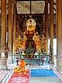 Wat Kampong Tralach Leu Vihara 18.jpg