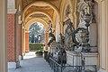 Wien Zentralfriedhof Grabmäler mitte.jpg