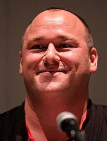 Will Sasso interprète Doug.