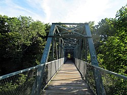 Willimantic pedestrian bridge, middle.JPG