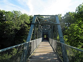 Willimantic, Connecticut - Image: Willimantic pedestrian bridge, middle