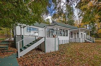 Ernest Hemingway Cottage - Image: Windemere Lakeside 3