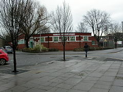 Winton Community Library (geograph 2239826).jpg