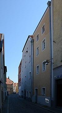Wohnhäuser Lederergasse 35-37 (Passau).jpg