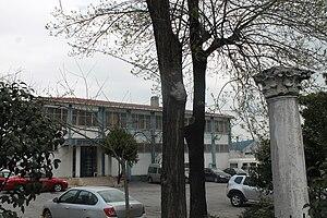 Zeytinburnu - Zeytinburnuspor facility; in the foreground a Corinthian column