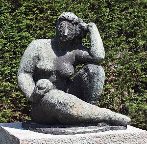 """Charlotte van Pallandt - Nude (""""Truus-beeldje"""") with an appel, 1957"""