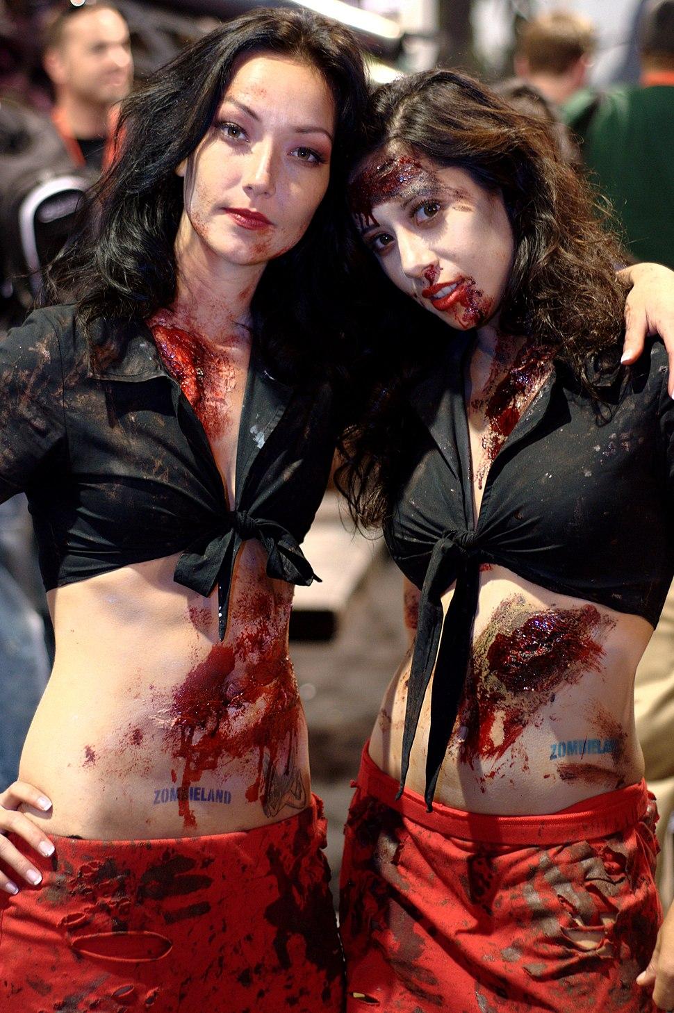 Zombieland models at Comic-con