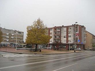 Županja - Image: Zupanja Marktplatz