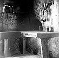 """""""Gnišče"""" (ognjišče) v hiši. Mohoričeva hiša (v prednji hiši na tramu letnica 1748), Malo Lipje 1957.jpg"""