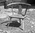 """""""Kantrega"""" (ognjiščni stol) od l 1929, naredil 71- letni Ražem Karlo, Kozjane 1955 (cropped).jpg"""