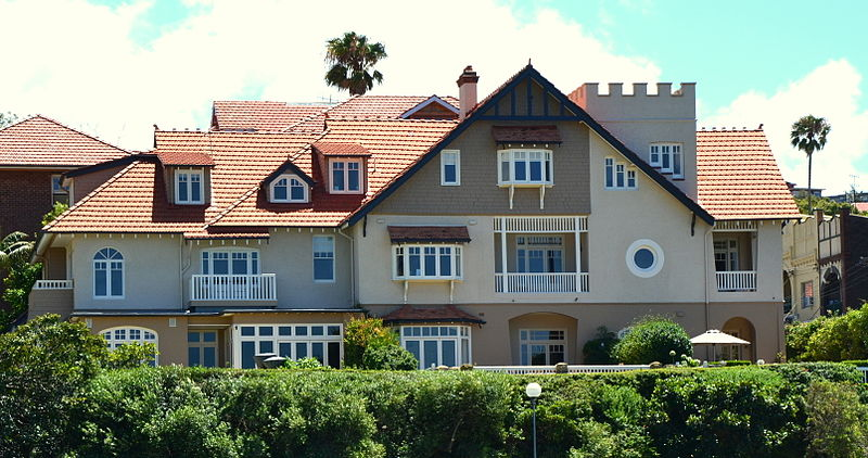 "The Hastings, 2 Hayes Street, Neutral Bay, ""A large, dramatically designed Federation Arts and Crafts style house on an important harbourside site"""