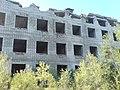 Полуразрушенный дом на ул. Славянская, 9б (фасад) - panoramio.jpg