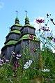 Церква Параскеви-П'ятниці у квітах.jpg
