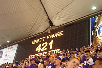 2007 Minnesota Vikings season - Packers QB Brett Favre broke Dan Marino's TD pass record during Week 4 at Metrodome.