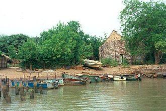 Janjanbureh, Gambia - Image: 1014088 Georgetown slave house The Gambia