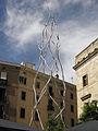 122 Als castellers, d'Antoni Llena, pl. Sant Miquel.jpg