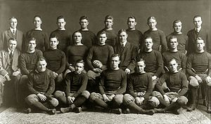 1913 Michigan Wolverines football team.jpg