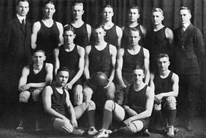 1917–18 Michigan Wolverines men's basketball team - Image: 1917–18 Michigan Wolverines men's basketball team