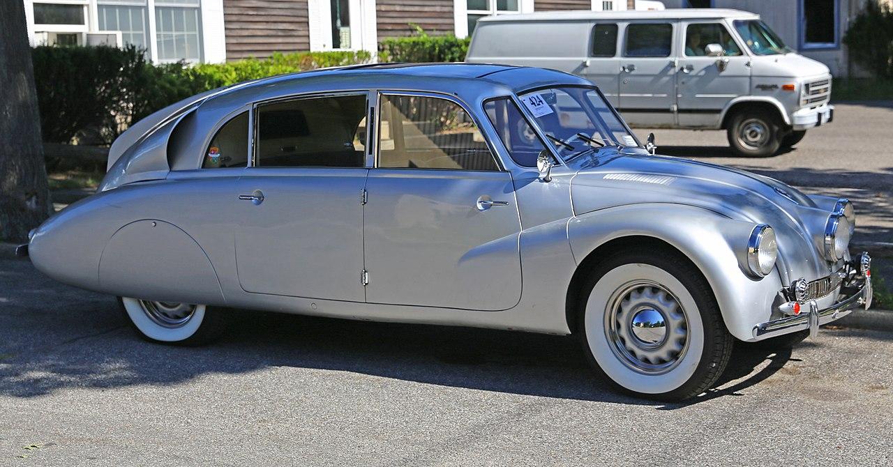 1941 Tatra 87 49870 front.jpg