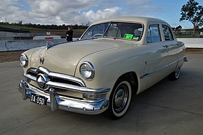 1950 Ford Custom V8 Fordor sedan (6102727380).jpg