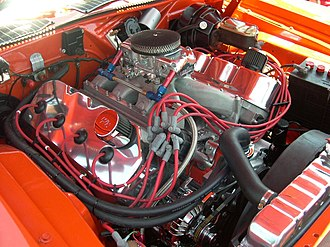 Chrysler Hemi engine - Polished and chromed 426 Hemi engine in a 1971 Hemi 'Cuda