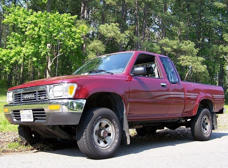 800px-1992_Toyota_V6.JPG