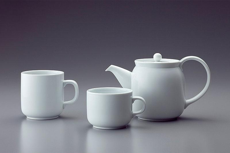 http://en.wikipedia.org/wiki/File:2004_MujiWanoSyokki-TeasetMug_Masahiro-Mori.jpg