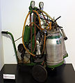 2014-07-06 selbstgebaute Melkmaschine, 1970 Agrarmuseum Wandlitz anagoria.JPG