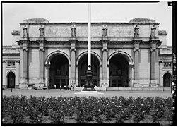 3. SOUTH FRONT, MAIN ENTRANCE PAVILION, ELEVATION 1968 - Union Station 030012pv