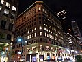 38th St 5th Av 01 - Lord & Taylor Building.jpg