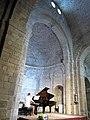 394 Santa Maria de Vilabertran, concert de piano a l'absis.jpg