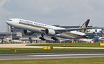 9V-SNB Singapore Airlines B777 (26963610801).jpg