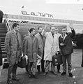Aankomst Nederlands elftal op Schiphol, v.l.n.r. Korver, Moulijn, Haak, Neville, Nuninga - NA - 917-3824.jpg
