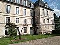 Abbaye de Saint-Riquier, façade côté parc 01.jpg
