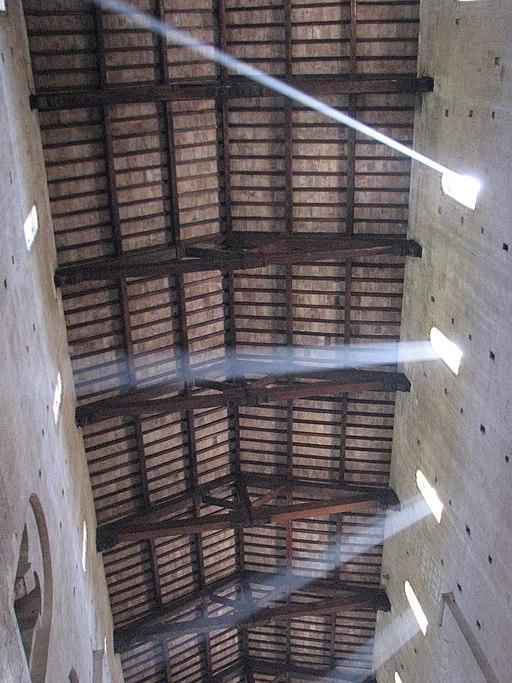 L'Abbazia di Sant'Antimo, giochi di luce sul soffitto