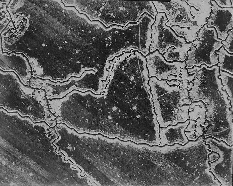 Aerial photograph of WW1 trenches 01