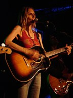 Aimee Mann in performance (15 October 2005) (2).jpg