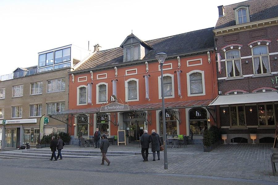 Dubbelhuis XVIII B, Albertusplein 19, Scherpenheuvel