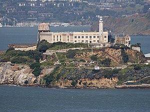 Prisão na Ilha de Alcatraz.