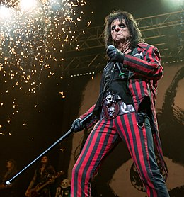 Alice Cooper performing in San Antonio, Texas 2015.jpg