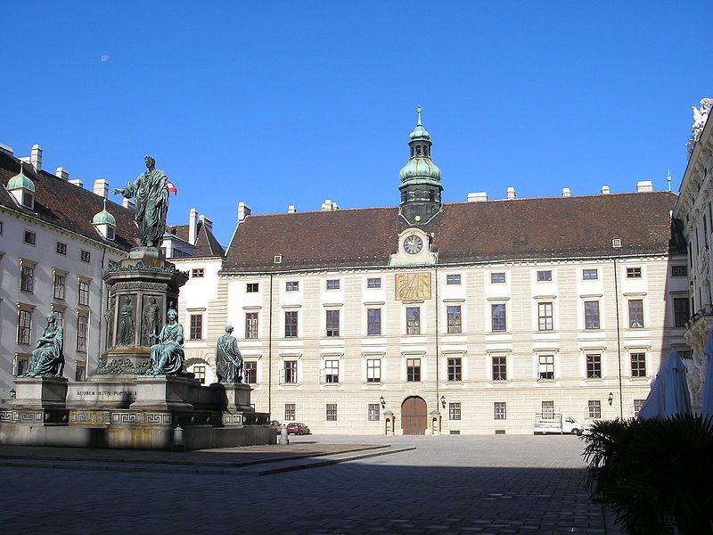 Datei:Amalienburg Vienna Oct. 2006 002.jpg