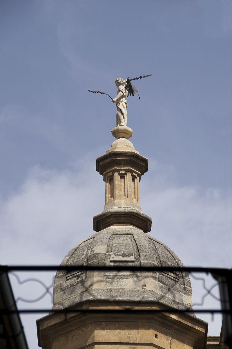 Ange cathédrale Grenade.jpg