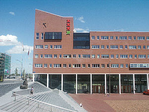 Amsterdam-Zuidoost - Stadsdeelkantoor ('district office') (2006) at Anton de Komplein, Bijlmermeer