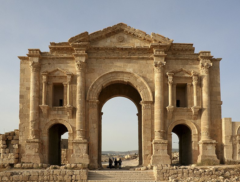 File:Arch of Hadrian, Jerash, Jordan2.jpg - Wikimedia Commons
