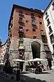 Arco de Cuchilleros Madrid.jpg