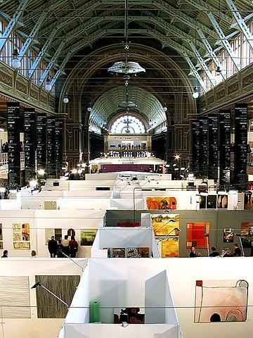English: Art Fair at the Melbourne Exhibition Building by Fernando de Sousa.