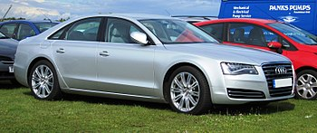 English: Audi A8 at Snetterton