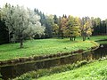 Autumn green trees and bend of river Pavlovsk.jpg