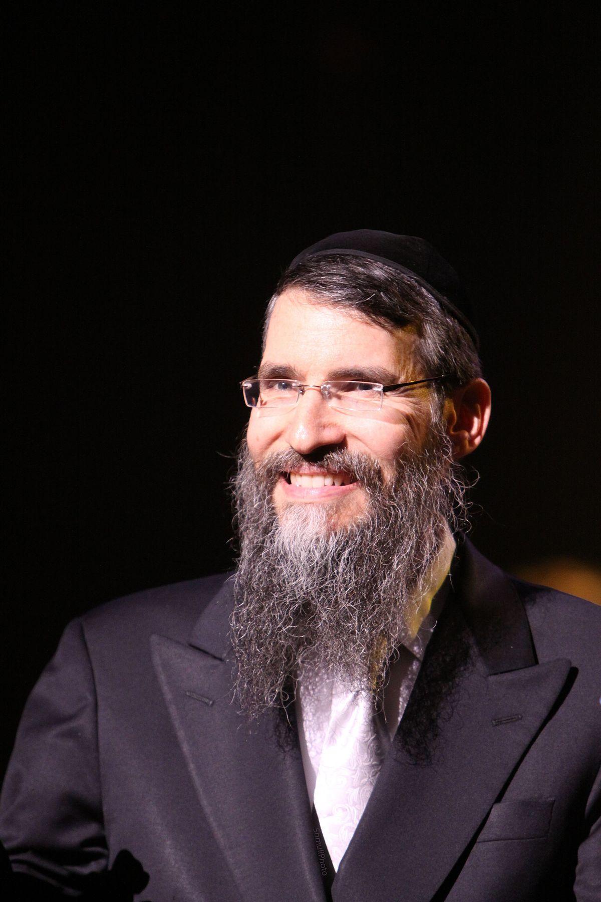 Rabbi Friedman In Kew Gardens Hills: Avraham Fried